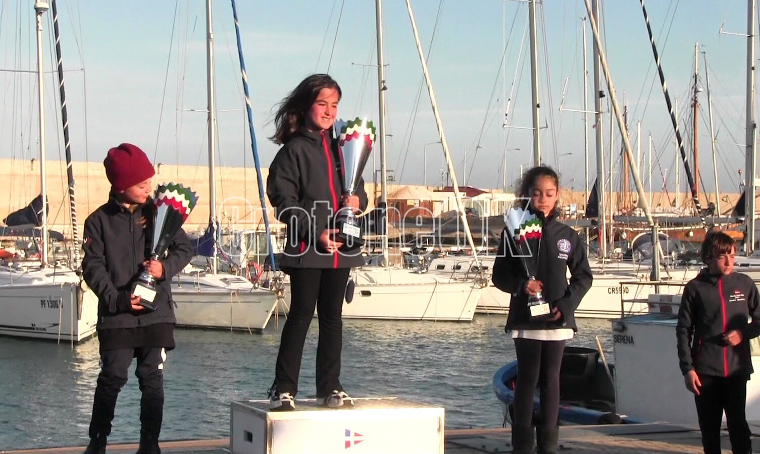 Crotone, dieci nazioni presenti all'International Carnival Race: premiati i velisti